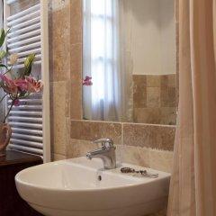 Отель Agriturismo Tra gli Ulivi Кастаньето-Кардуччи ванная фото 2