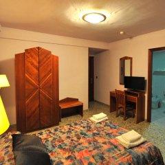 Отель Hostal la Carrasca удобства в номере фото 2