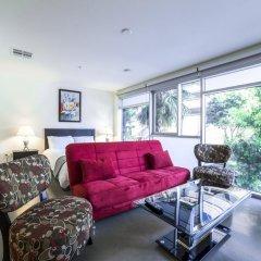 Отель Ginosi Wilshire Apartel Студия с различными типами кроватей фото 11
