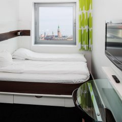 Отель Wakeup Copenhagen - Carsten Niebuhrs Gade 2* Стандартный номер с различными типами кроватей фото 8