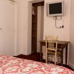 Отель Hôtel Exelmans 2* Улучшенный номер с двуспальной кроватью фото 4