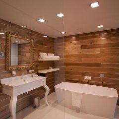 Graffit Gallery Design Hotel 5* Люкс с разными типами кроватей фото 5