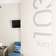 Отель Flores Guest House 4* Стандартный номер с различными типами кроватей фото 5