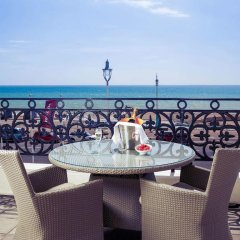 Отель Mercure Brighton Seafront Hotel Великобритания, Брайтон - отзывы, цены и фото номеров - забронировать отель Mercure Brighton Seafront Hotel онлайн балкон
