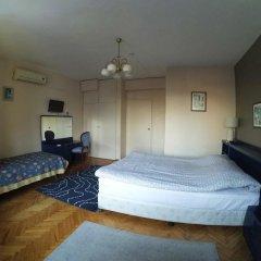 Отель Berk Guesthouse - 'Grandma's House' 3* Стандартный семейный номер с двуспальной кроватью фото 15