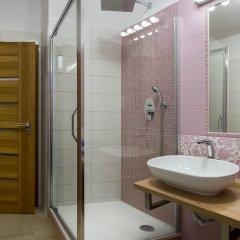 Отель Rezidence Vyšehradská Чехия, Карловы Вары - отзывы, цены и фото номеров - забронировать отель Rezidence Vyšehradská онлайн ванная