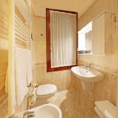 Hotel San Luca Venezia 3* Стандартный номер с различными типами кроватей фото 8