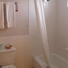 Отель Super 8 by Wyndham Los Angeles-Culver City Area 2* Стандартный номер с различными типами кроватей фото 3