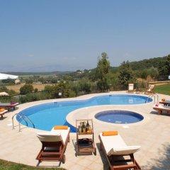 Отель Villa Mare e Monti Греция, Корфу - отзывы, цены и фото номеров - забронировать отель Villa Mare e Monti онлайн бассейн фото 3
