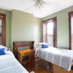 Отель Found Places Capitol Hill Bed & Breakfast 3* Стандартный номер с 2 отдельными кроватями (общая ванная комната)