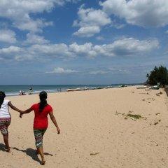 Отель Marine Tourist Beach Guest House Negombo Beach Шри-Ланка, Негомбо - отзывы, цены и фото номеров - забронировать отель Marine Tourist Beach Guest House Negombo Beach онлайн пляж фото 2