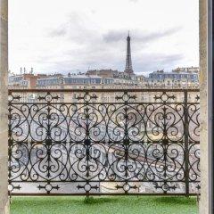 First Hotel Paris - Tour Eiffel балкон