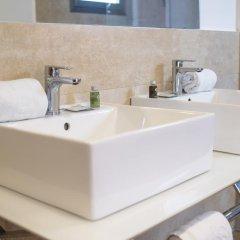 Отель Hostal La Lonja ванная