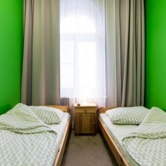 Moon Hostel Стандартный номер с 2 отдельными кроватями (общая ванная комната) фото 3