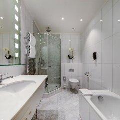 Отель Fairmont Le Montreux Palace 5* Улучшенный номер с различными типами кроватей фото 9