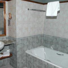 Отель Albares ванная фото 2
