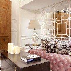 Отель Claris G.L. 5* Улучшенный номер с двуспальной кроватью