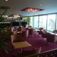 Отель Miyuki Hamabaru Resort Центр Окинавы гостиничный бар