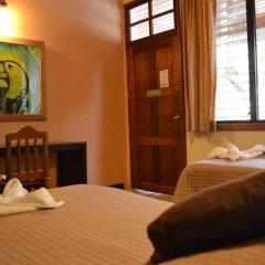 Hotel Jaguar Inn Tikal 3* Бунгало с различными типами кроватей фото 3