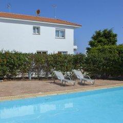 Отель Beachfront villa Del Mare Кипр, Протарас - отзывы, цены и фото номеров - забронировать отель Beachfront villa Del Mare онлайн бассейн