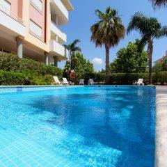 Отель Antelius CD 82 бассейн