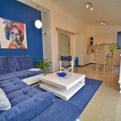 Апартаменты Apartments Andrija комната для гостей