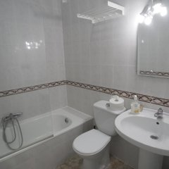 Отель Latas Surf House ванная