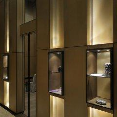 Armani Hotel Dubai Дубай сейф в номере