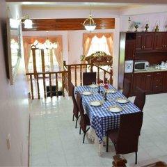 Отель Bwela Residence питание