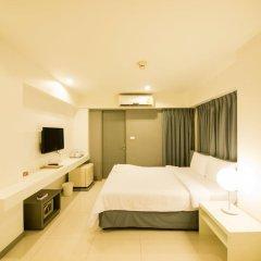 Отель Myhotel Cmyk@Ratchada 3* Номер Делюкс с различными типами кроватей фото 4