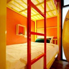 FIN Hostel Phuket Kata Beach Улучшенный номер с двуспальной кроватью фото 16