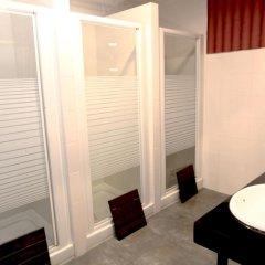Отель Hostels MeetingPoint 2* Кровать в женском общем номере с двухъярусной кроватью фото 5