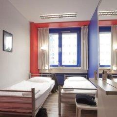 Отель Generator Berlin Prenzlauer Berg Номер с общей ванной комнатой с различными типами кроватей (общая ванная комната) фото 7