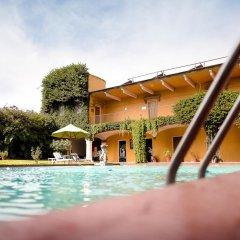 Hotel Misión Guadalajara Carlton бассейн