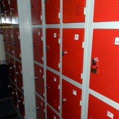 Antares Hostel сейф в номере