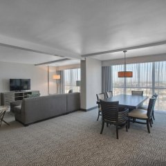 Отель DoubleTree by Hilton at the Entrance to Universal Orlando комната для гостей фото 7