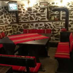 Отель Vitanova Guest House Боженци гостиничный бар