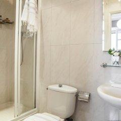 Отель AinB B&B Eixample-Muntaner Испания, Барселона - 4 отзыва об отеле, цены и фото номеров - забронировать отель AinB B&B Eixample-Muntaner онлайн ванная фото 3