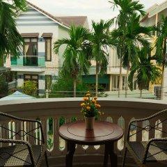 Отель Laurus Homestay Улучшенный номер с различными типами кроватей фото 3