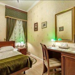 Мини-Отель Серебряный век Улучшенный номер с двуспальной кроватью фото 14