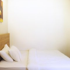 Отель 5footway.inn Project Ann Siang 2* Улучшенный номер с двуспальной кроватью фото 3