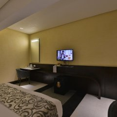 Hotel The Golden Oak Raipur удобства в номере фото 2