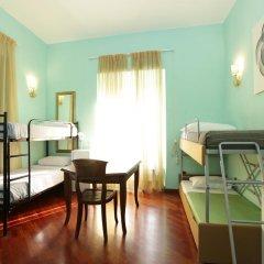 Nika Hostel Кровать в общем номере с двухъярусной кроватью фото 2