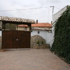 Отель Puerta del Agua Саэлисес спортивное сооружение