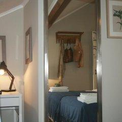 Отель Flores Guest House 4* Стандартный номер с двуспальной кроватью фото 5
