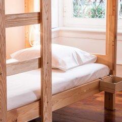 Nest House Lisbon Hostel Кровать в общем номере фото 3
