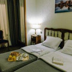Hotel Saint Christophe в номере