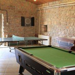 Отель Castell de Guardiola гостиничный бар