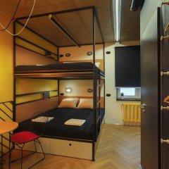 Хостел Suffix Стандартный семейный номер с двуспальной кроватью фото 9