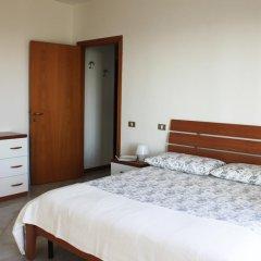 Отель Abbadia 14 Озимо комната для гостей фото 2